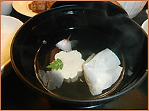 P3210198yubaosuimono